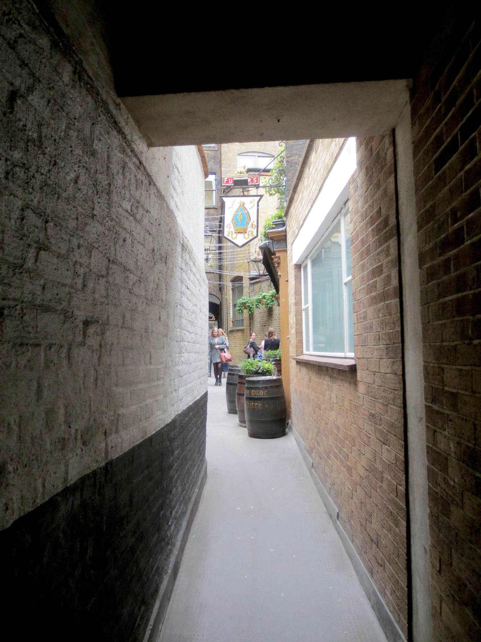Ye Olde Mitre entrance