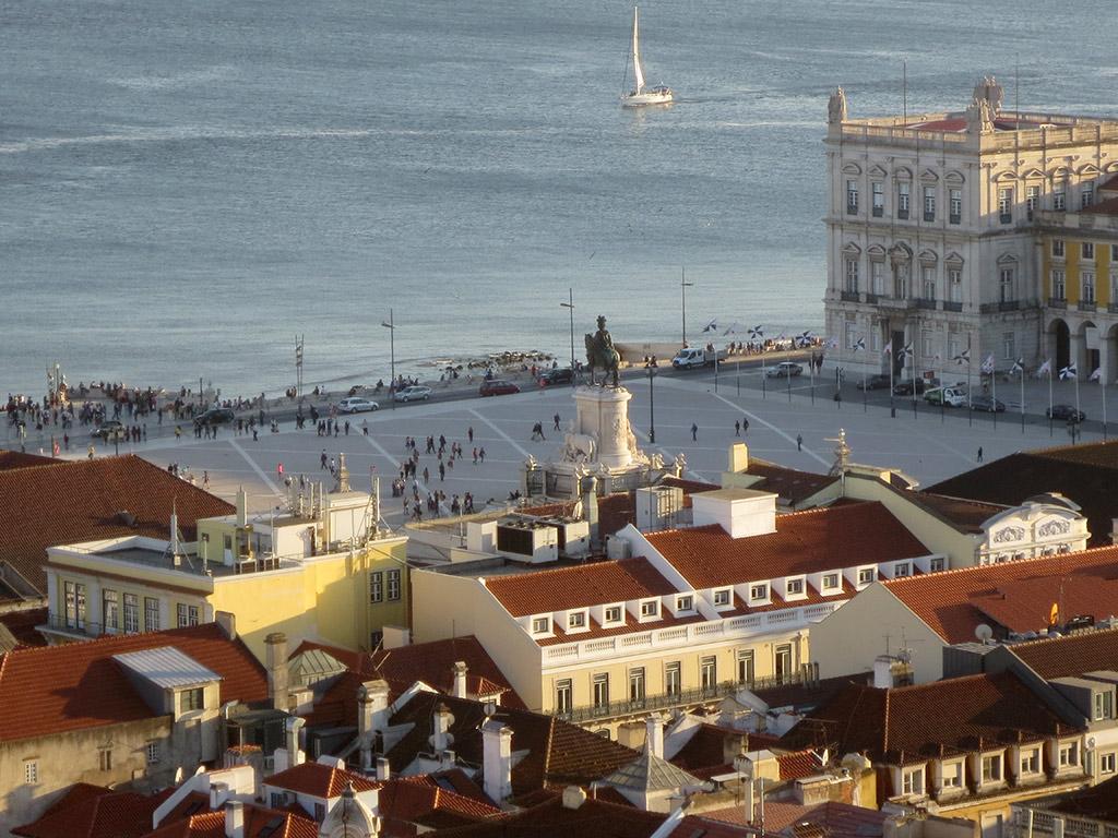 Praça do Comércio from the Castelo